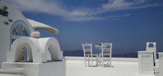 Санторини столик на крыше