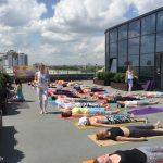 йога на крыше