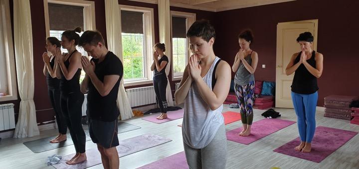практика в йога доме
